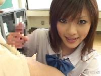 【手コキ フェラ】女子校生に見つめられながらシゴかれちゃう僕