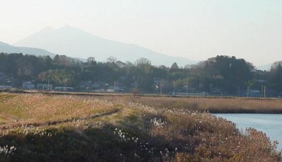恋瀬川と筑波山