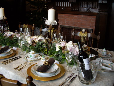 chiristmas table setting