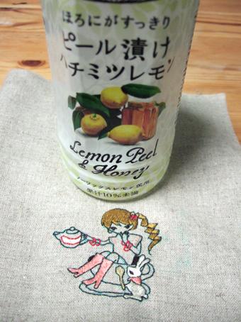 美味しいジュースと刺繍