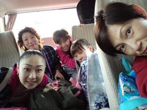 アジア大会 バスの中
