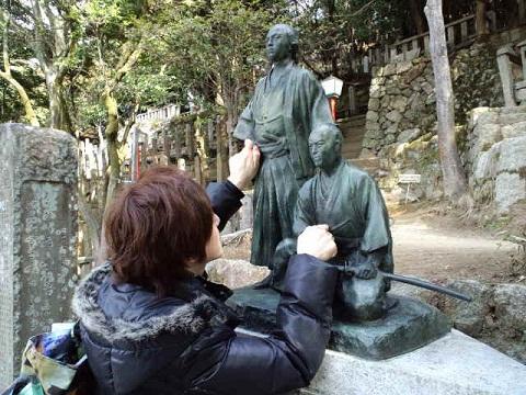 2月龍馬さん銅像