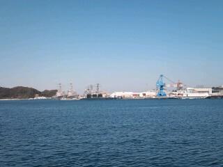 沖合の米イージス