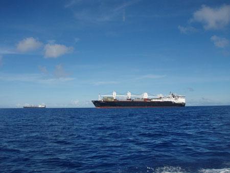 サイパン沖の黒船