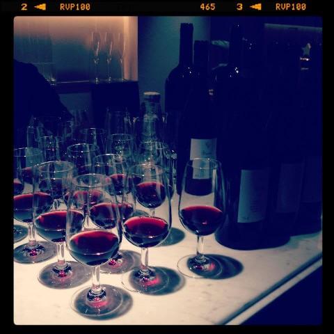ワイングラスと