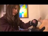ロリカワJKの手袋コキ