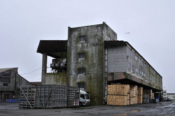 blog Kushiro Port, Warehouse_DSC6943-6.28.11 (2).jpg